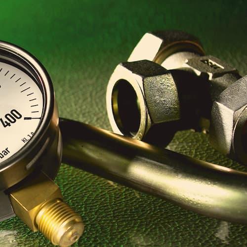 Rohre und Rohrverschraubungen bei Pitzner Industrieservice